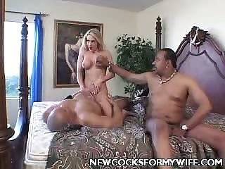 Sexy Wife Sue Peavy Jizzed in Interracial Session!