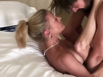 Free mom porn post